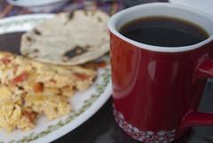 A primera hora 3/30 (jgoge) Tags: maana cafe comida huevos alimento e comer desayuno taza tortilla chapin mesa hambre tradicion guatemalteco tipico maanero