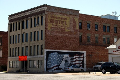 victor hotel ghost and america mural