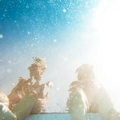 [フリー画像] 人物, 人と風景, 水・氷, 201109091300