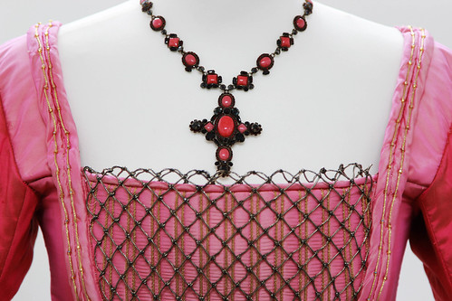 costume of jane seymour