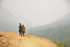 Vast (Huey Yoong) Tags: terrain mountains nature trekking landscape countryside highlands asia southeastasia village vietnam valley sapa paddyfields indigenous riceterrace 5photosaday northvietnam nikkor18200mmvr laochaivillage nikond300 hmongtribes hmongladies