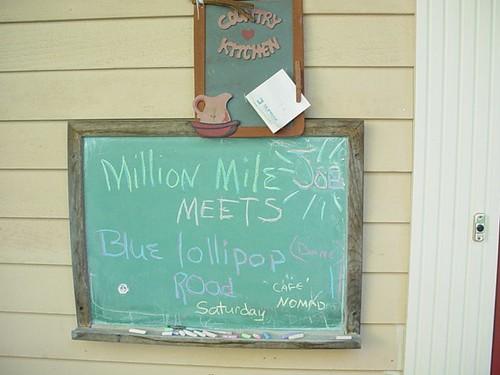 Joe's wife makes a sign!