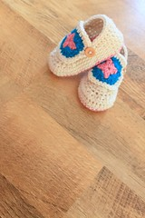 Granny Square Crochet Bootie Pattern (Easymakesmehappy) Tags: blue brown newborn chic grannysquare babybooties mamachee