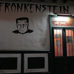 "Hostal Frankenstein <a style=""margin-left:10px; font-size:0.8em;"" href=""http://www.flickr.com/photos/14315427@N00/6152403037/"" target=""_blank"">@flickr</a>"