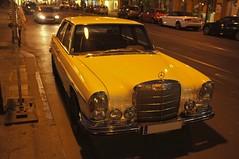 Landstrae, Linz (austrianpsycho) Tags: auto old car sedan linz mercedes se abend alt mercedesbenz oldtimer limousine 250 1965 wagen pkw w108 w112 250se landstrase