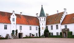 2011-07-20 (Gim) Tags: skne sweden schweden sverige suede slott hr bosjkloster scanie bosjklosterslott