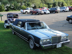 1987 Lincoln Town Car Cameo Coach (DVS1mn) Tags: county cars car minnesota lincoln fomoco henryford fordmotorcompany kandiyohi lincolnmercurydivision