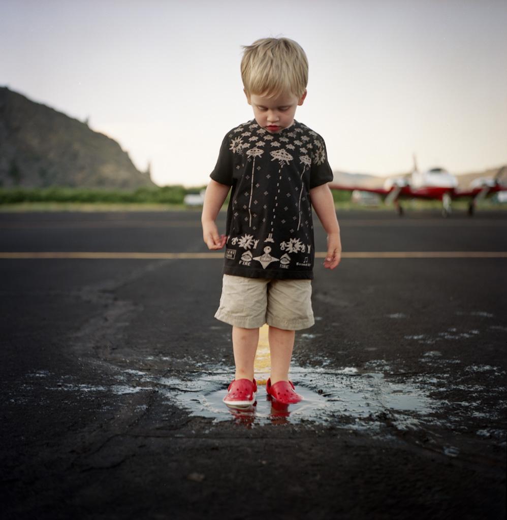 09800c808201 chelan airport (brian kyle makes me smile.) Tags  family 6x6 tarmac shirt
