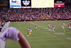 2011 - Redskins vs Steelers - Brandon Banks providing a little excitement on a kickoff return (c&rdunn) Tags: washington football pittsburgh nfl steelers redskins afc nfc fedexfield americanfootballconference nationalfootballconference brandonbanks