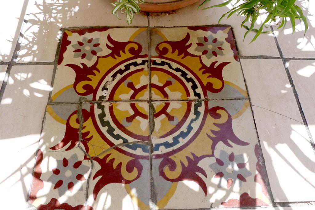 06-08-2011-floor-art