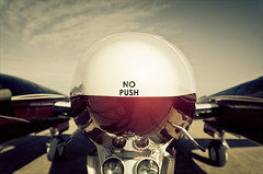NO PUSH (Gerrit...!) Tags: nikon king sigma beechcraft fuel 17mm d7000 sigma1750mmf28exdcoshsm