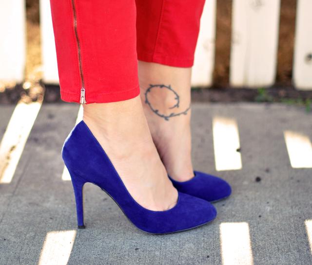 Blue Suede Pumps Aldo +   red pants