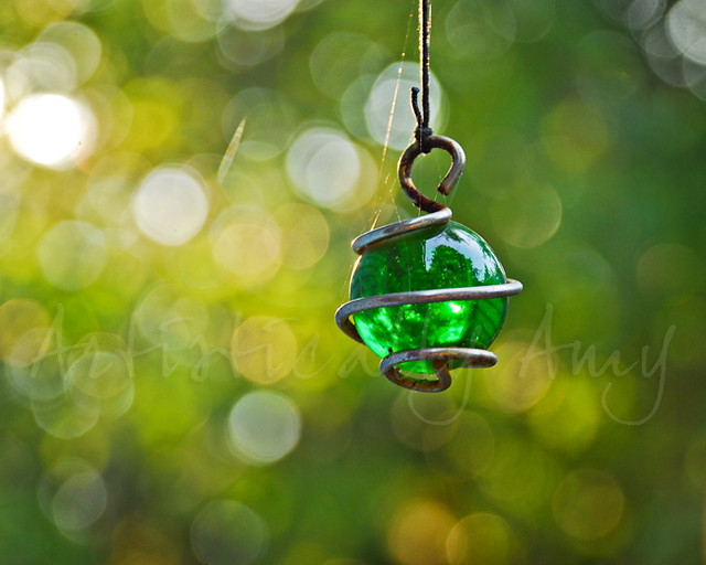 Green glass bead 2