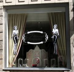 BRUXELLES (gabrilu) Tags: vintage europa europe belgique bruxelles shopwindow brussel belgio vetrine