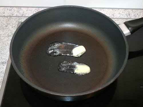 15 - Butter zerlassen