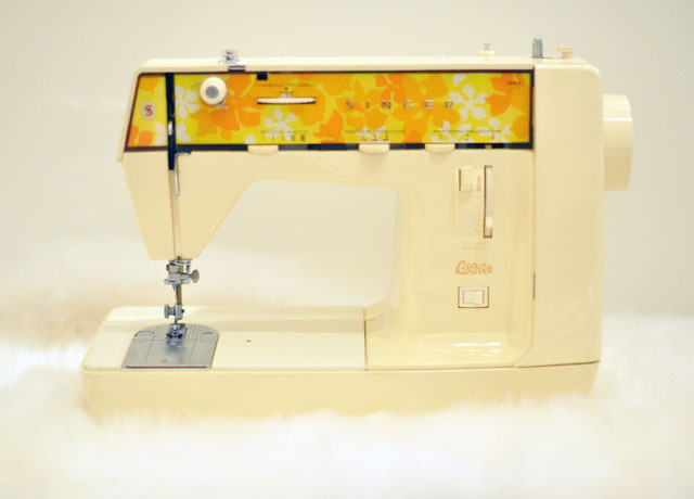Singer-Genie-353---Sewing-Machine-from-the-70s