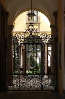 L'ingresso attuale di palazzo Archinto