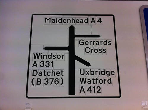 How they kern the road signs