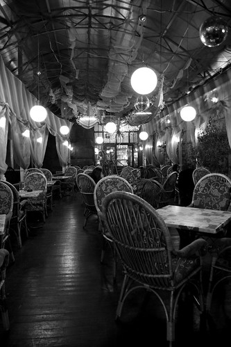 Khreshchatyk street cafe by D.Boyarrin, on Flickr