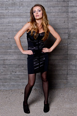 Olesja #4 (Yvo G.) Tags: black fashion wall canon dark hair eos model wand flash 7d frock brunette braunhaarig pantyhose modell schwarz beton haare strumpfhose kleid 2470