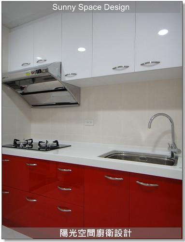 廚具工廠-淡水沙崙路康先生一字型廚具:紅白配廚具-陽光空間廚衛設計