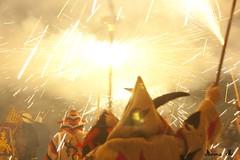 Sota el foc (Anna Mrida) Tags: fire folklore devil catalunya sparks baixcamp ermita foc tradicions diables espurnes lesborgesdelcamp
