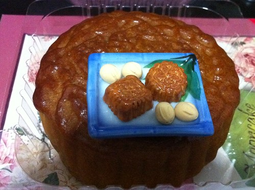 Traditional mooncake by jenchan0203