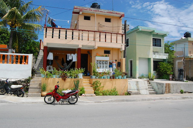 cancun_isla_mu_orange_house
