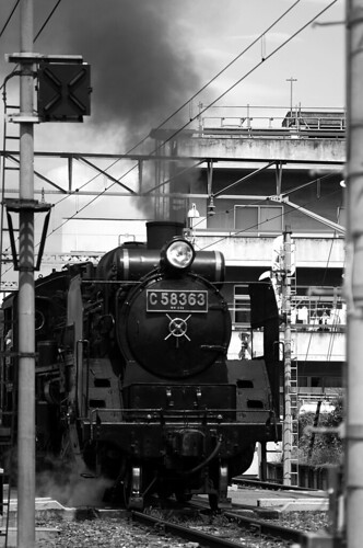 Steam locomotive by keganimushi