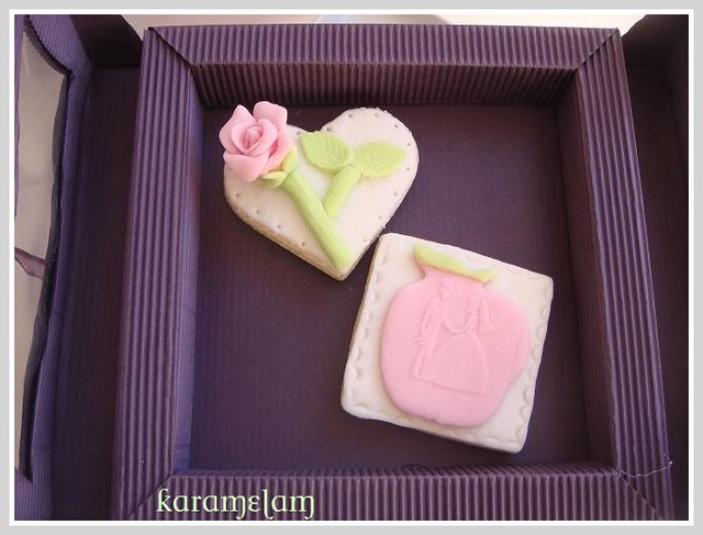 romantic wedding cookies