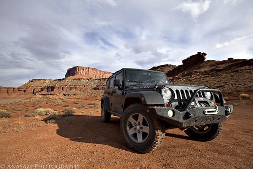Jeep On the White Rim