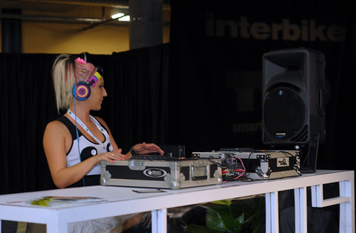 Interbike Fashion Show, DJ