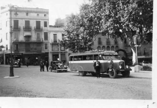 1935 Figueres cap de munt del passeig enesels i un nenç