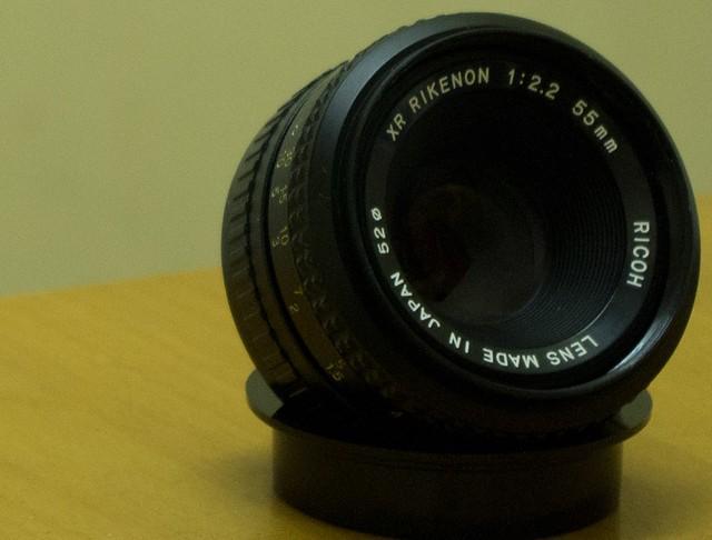 第一顆原廠鏡頭