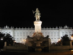 palacio por la noche (danielnanreik) Tags: world madrid blue sleeping white mountain black color roma tree castle church beauty architecture river de real spain catholic view cathedral roman stadium soccer military south muslim disney seville andalucia aqueduct spanish toledo seats segovia alhambra granada universidad alcazar vista moor academy futbol fortress ronaldo alcala bernabeau medievial hernares