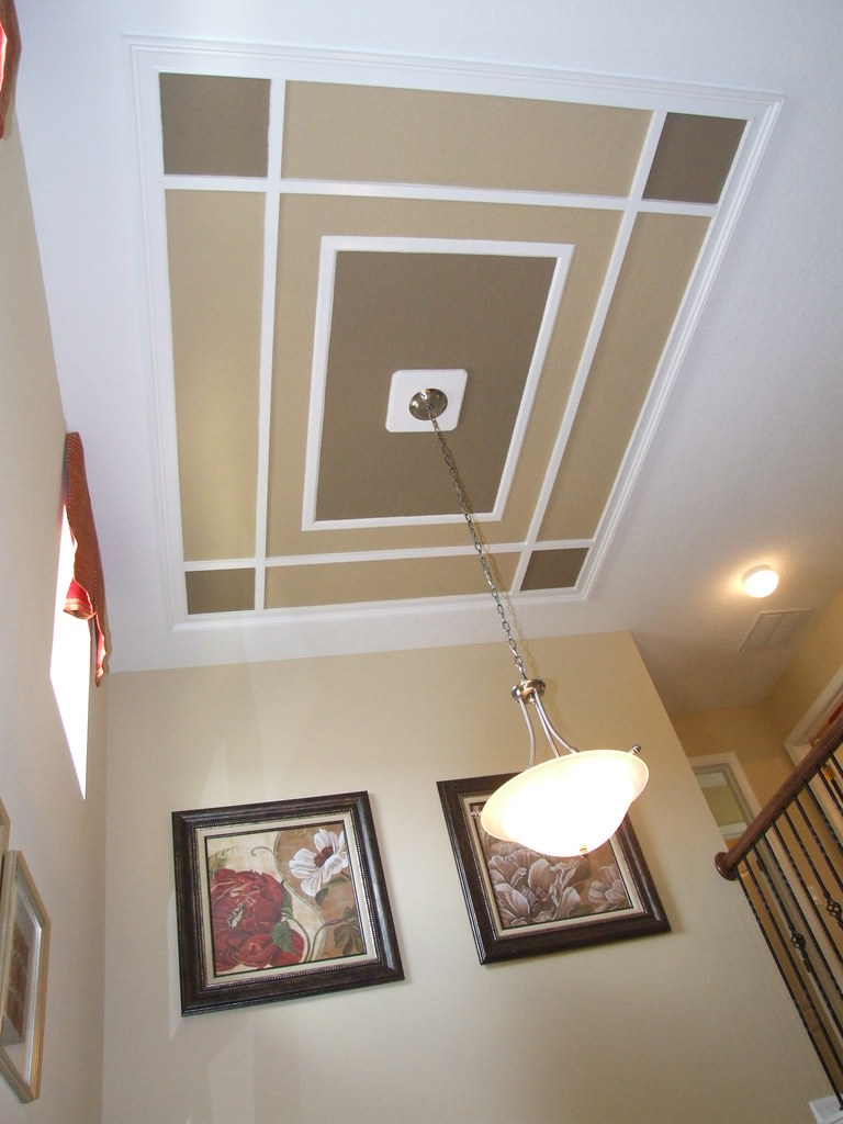 Decor idea - Stairwell ceiling detail