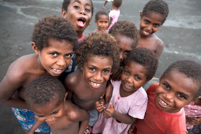 Mała rzecz a cieszy, czyli portrety dzieciaków z Vanuatu