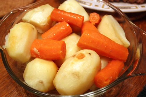 roasted-potatoes-carrots