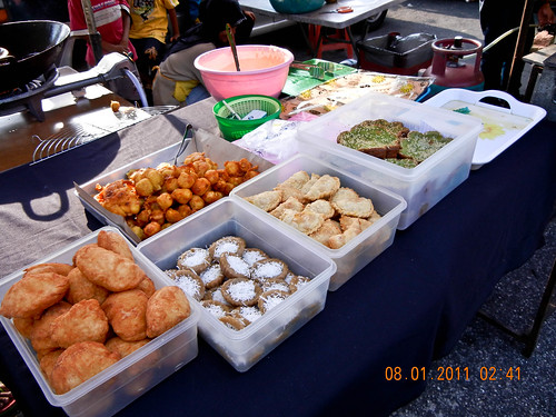 DSCN2299 Kuih-muih ,Ramadhan bazaar , Ipoh,Malaysia- 2011