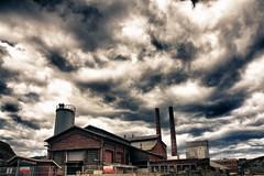 Asturiana del Zinc, Arnao, Salinas (El Avispao) Tags: españa clouds landscape spain factory asturias paisaje salinas nubes hdr fabrica zinc asturiana xataca