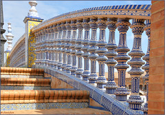 Sevilla : Azulejos  Plaza de Espaa  - 1/2 (Pantchoa) Tags: stairs sevilla andaluca nikon ramp ceramics escalera escalier sville plazadeespaa cermica andalousie cramique azulejos rampa rawfile rampe d90 spainsquare placedespagne  fileraw capturenx2  ringexcellence viewnx2