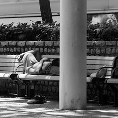 Afternoon nap (toon_ee) Tags: street hongkong minolta candid sony f28 135mm t45 stf a850