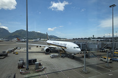 Singapore Airlines 777-200ER (A. Wee) Tags: hongkong airport boeing sq 777 sia singaporeairlines hkia 777200er