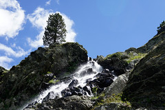 "2011_634070 - Cascades • <a style=""font-size:0.8em;"" href=""http://www.flickr.com/photos/84668659@N00/6115746781/"" target=""_blank"">View on Flickr</a>"