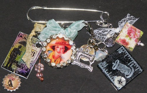 Mixed Media Charm Jewelry 005