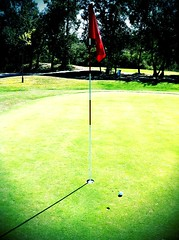 Putt para birdie (Jaime de la Fuente) Tags: camera beach iphone soemo