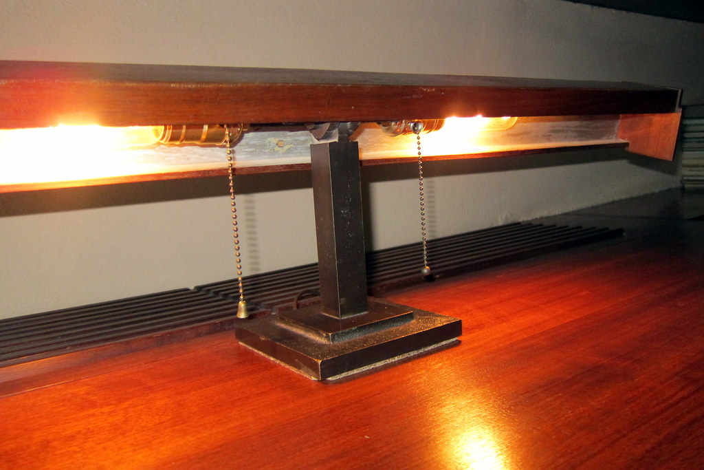 PA - Mill Run: Fallingwater - Guest Room - Desk lamp