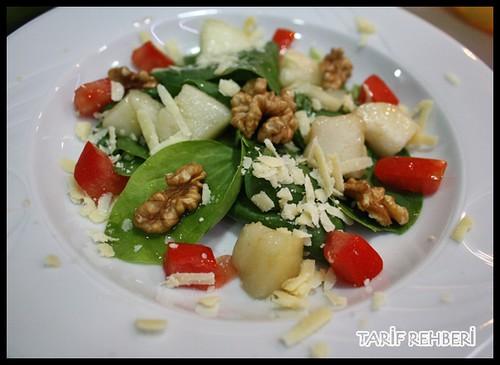 ıspanaklı armut salatası