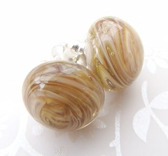 Champagne Swirl Earrings (Glittering Prize - Trudi) Tags: uk glass silver nude beads beige sterling earrings sparkler trudi lampwork studs sra glitteringprize