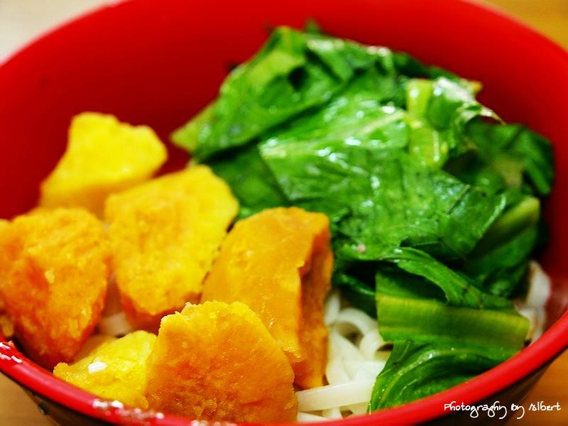 平溪.地瓜拉麵:地瓜麻醬拉麵